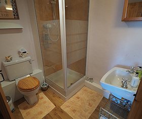 En suite shower for Family Room at Callisham Farm