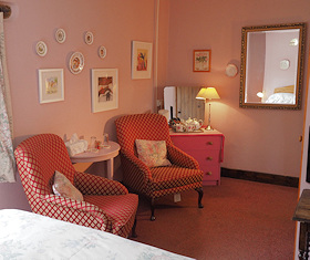 Relax in the Pink Room at Callisham Farm